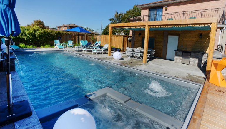 Toronto pool building company installs fibreglass pools for Pool design company polen